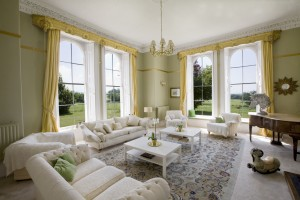 Rumwell-Park-LivingRoom_2930-country-house-events-parties-holidays-family-accommodation-booking
